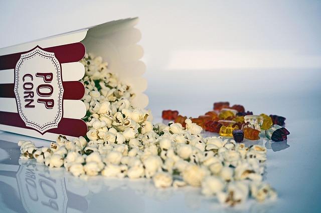 popcorn a bonbony